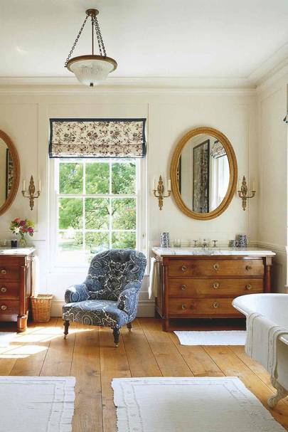 Antique Regency Drawers in Country Bathroom