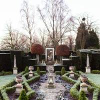 Silver Jubilee Garden - The Garden of Designer Sir Roy Strong | Designers' Gardens