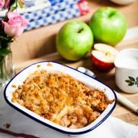 Apple crumble and ginger crème fraîche