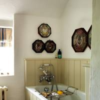 Paint your bathroom panelling