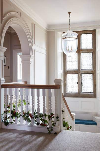 Landing - An Elegant House in Surrey
