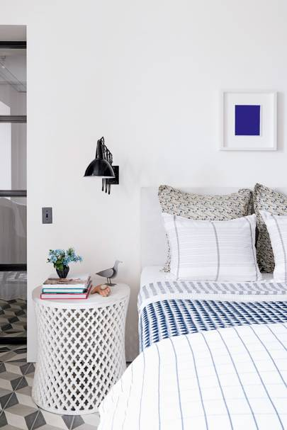 White Bedroom Blue Accents | Bedroom Design Ideas