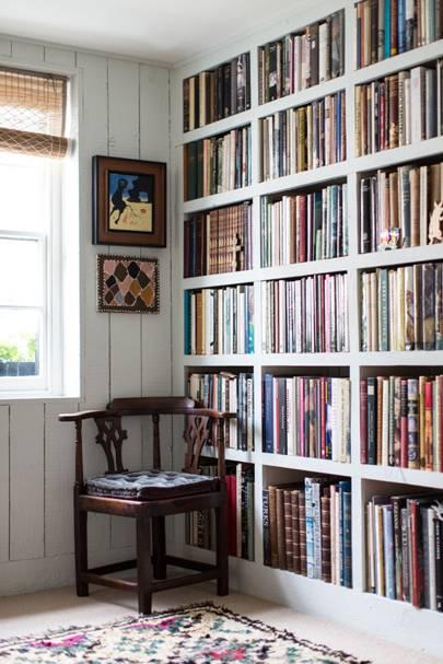 Graduated Sized Bookshelves