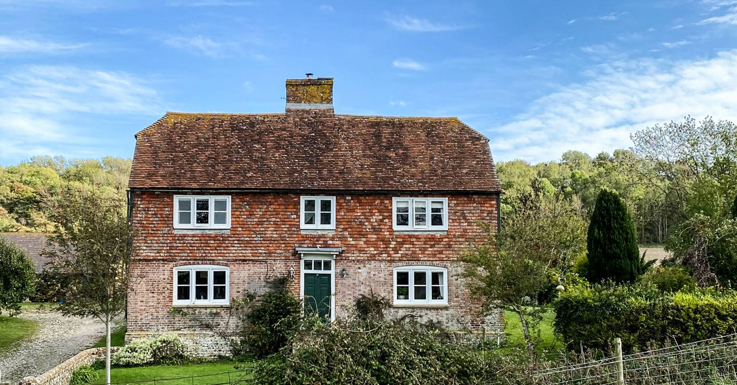 The Run of the Downs: writer Jo Rodgers gets the keys to her new home