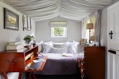 Small Bedroom in Shepherd's Hut