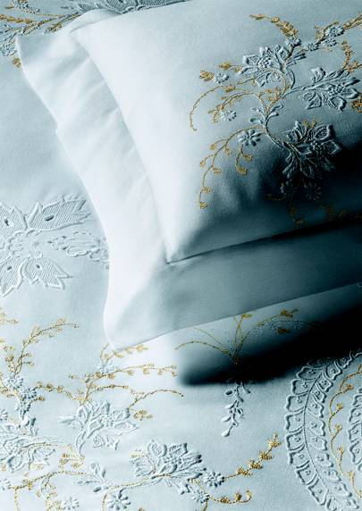 'Merveilleuse' linen from Yves Delorme Couture - embroidered in France on traditional loom