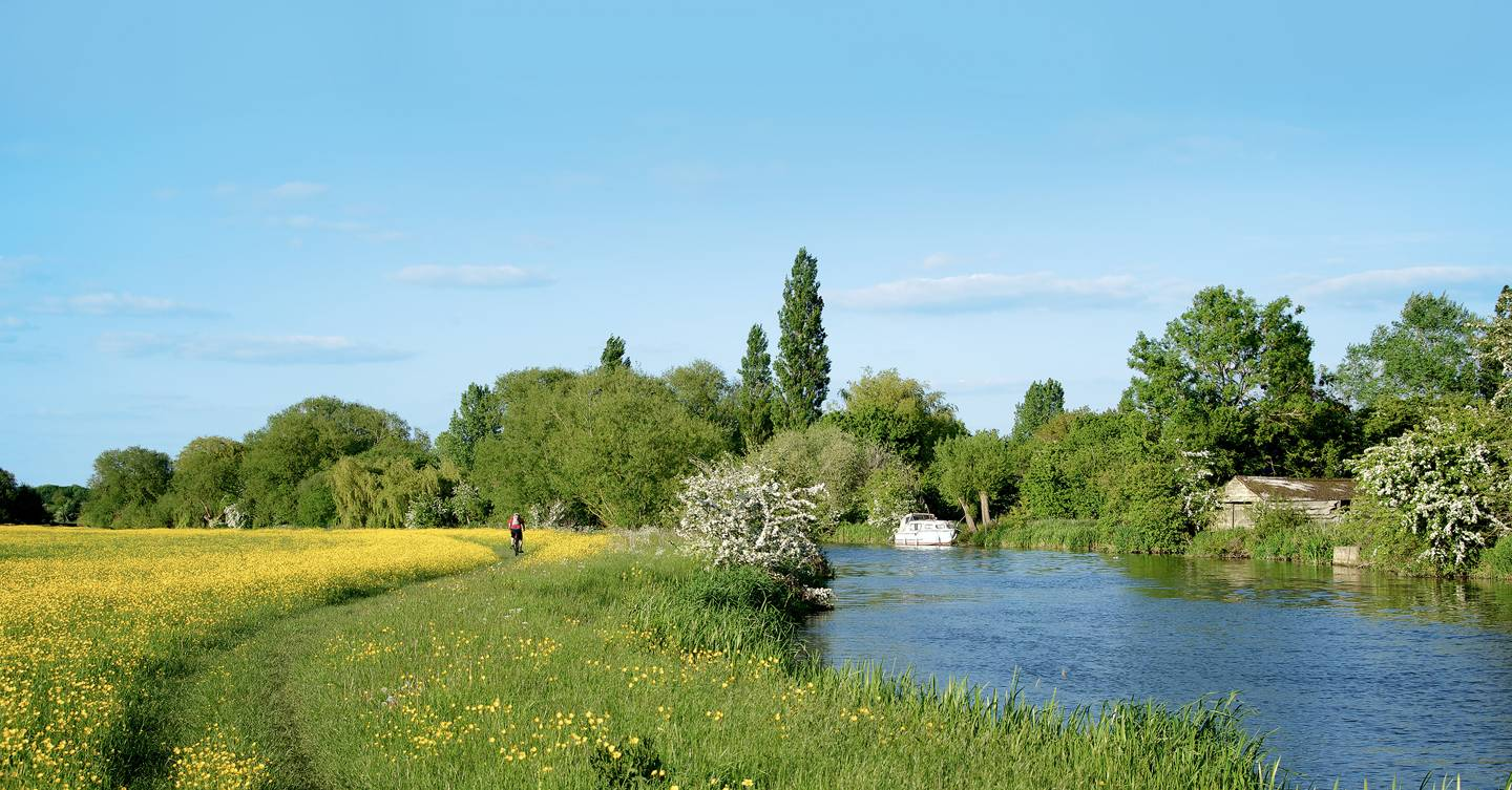 A four-day walking holiday along the Thames Path