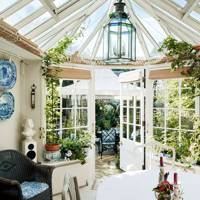 Conservatory with lanterns
