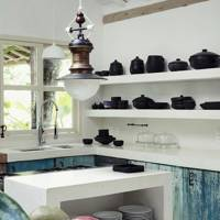 White kitchen with black crockery