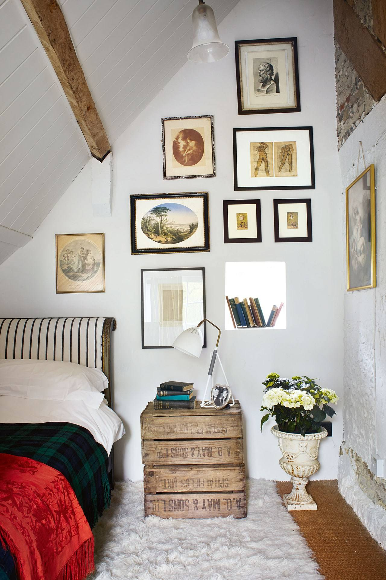 Small Cottage Bedroom Small Space Ideas House Garden