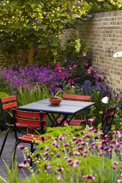 Structural Planting & Purpurea | Small Garden Ideas
