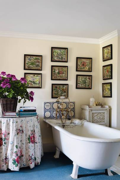 Chintz: 'Roses & Pansies' Table Skirting