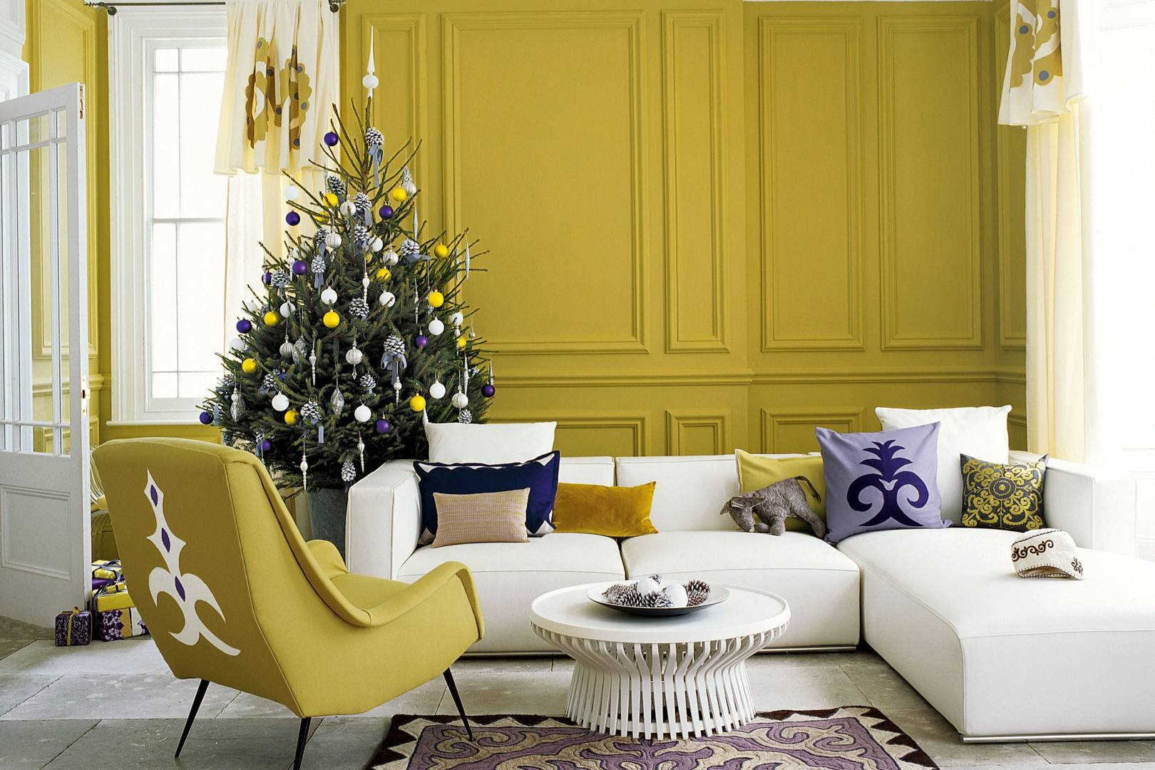 Christmas Living Rooms | Christmas Decorating Ideas | House & Garden