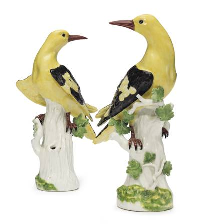 A PAIR OF MEISSEN PORCELAIN MODELS OF GOLDEN ORIOLES