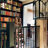 Country House - Bookshelf