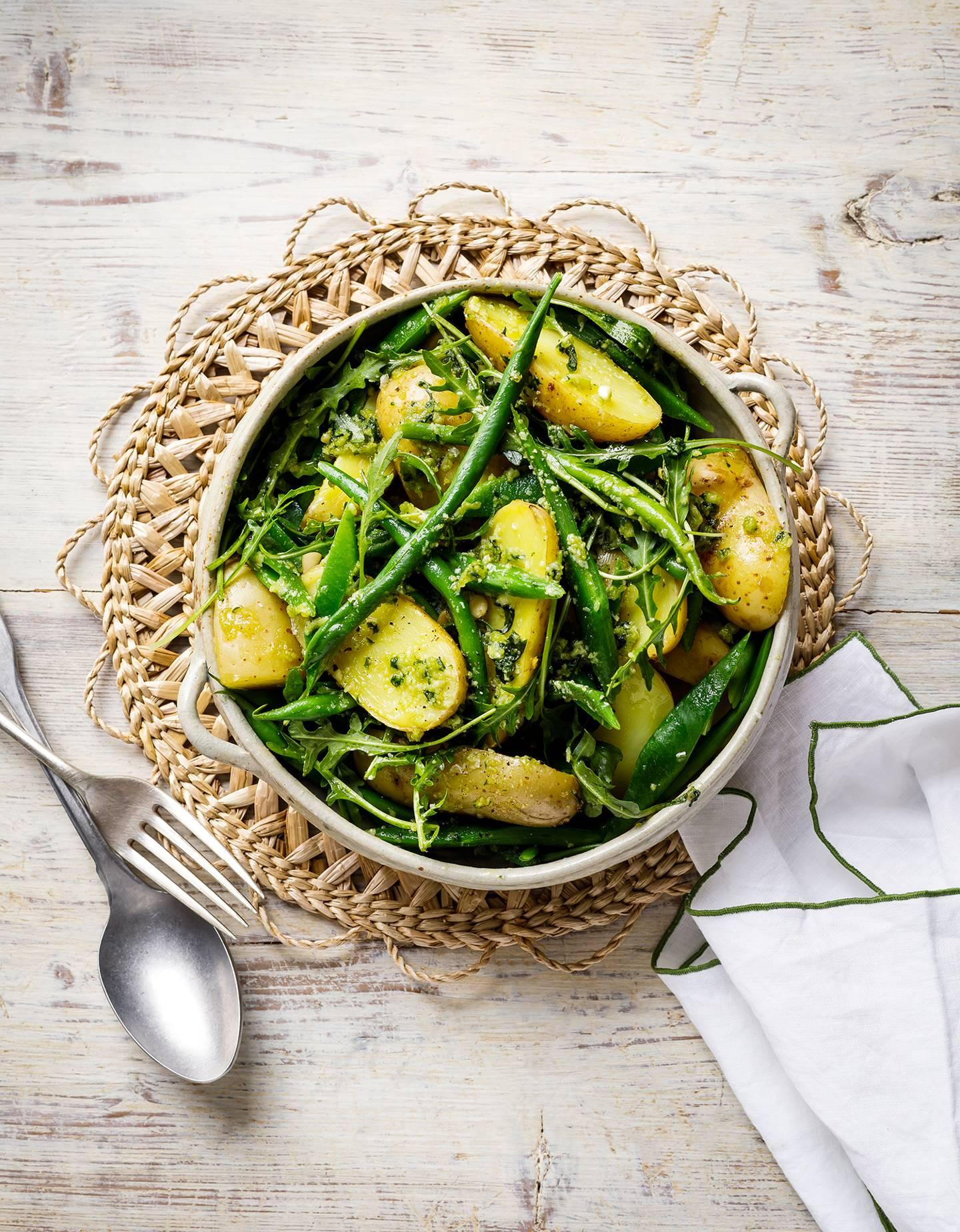 Potatoes, green beans and pesto