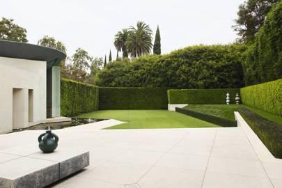 Small garden ideas - image Simon-Upton--house-19jun15_Simon-Upton_b on https://alldesingideas.com