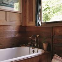 Small Panelled Bathroom