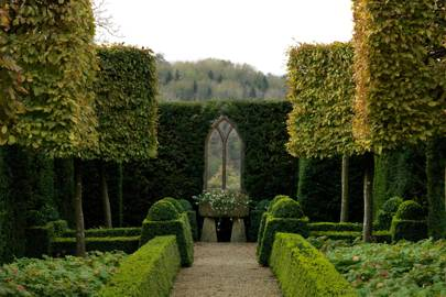 Become a Topiary Master