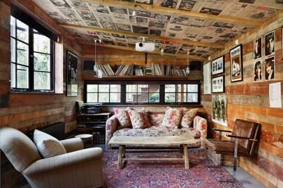 Log cabin TV Room