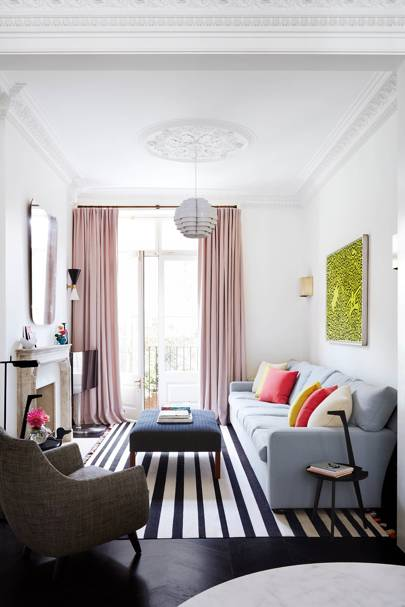 How To Expand A Narrow Living Room In This Notting Hill Town House Interior Designer Suzy Hoodless Used Strong Clean Lines Emphasise The High Ceilings