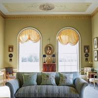 Drawing room with Neo classical Cornicing