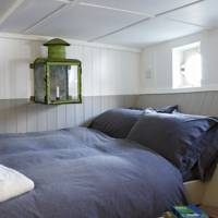 Houseboat Bed