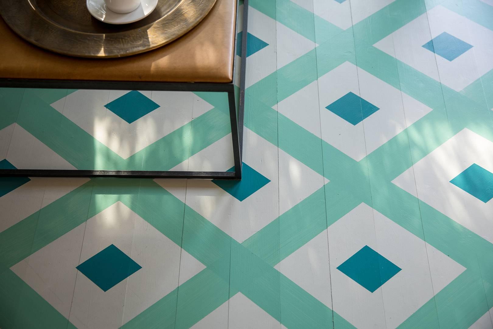 Geometric floor pattern – how to paint | House & Garden
