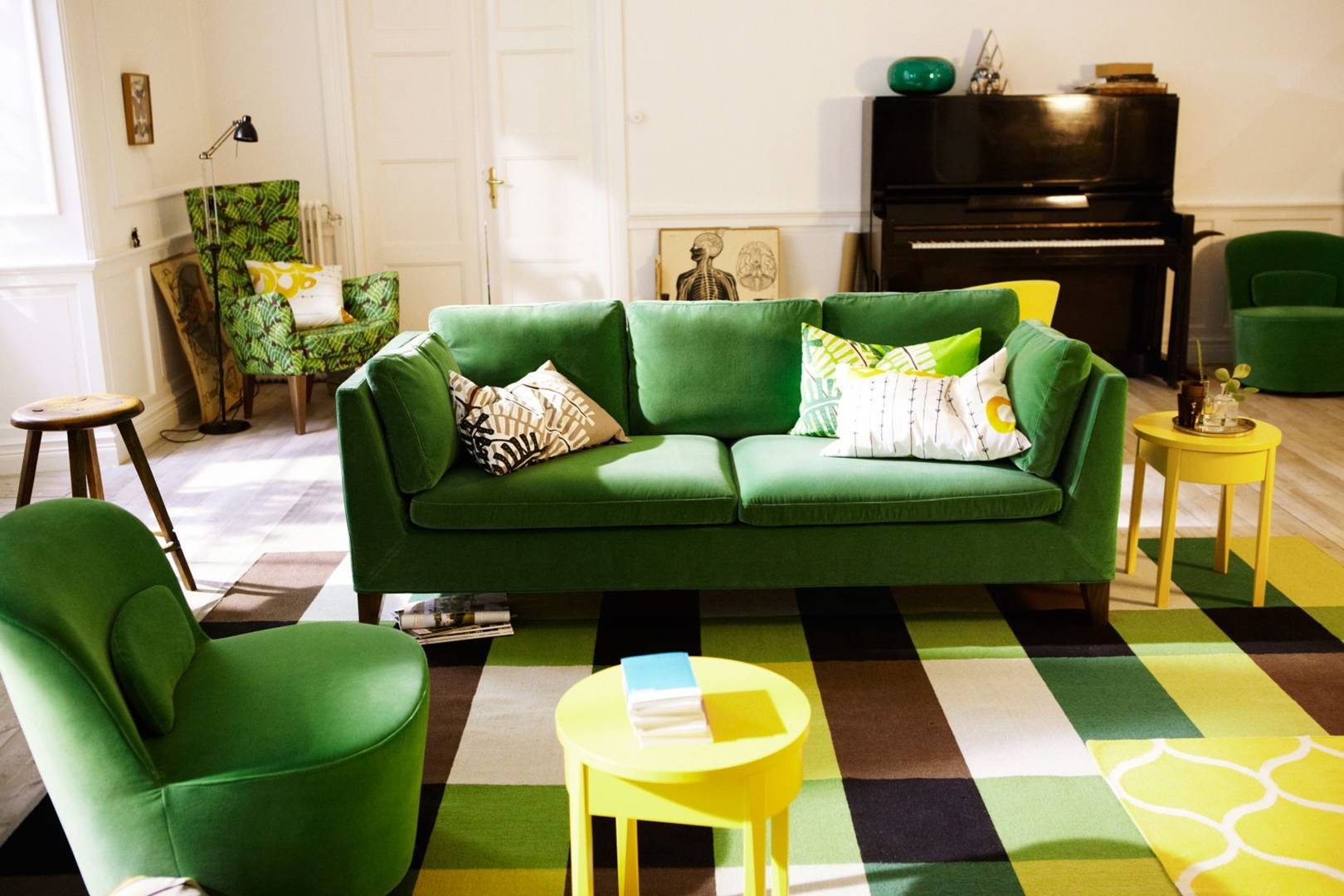 Green Sofa Living Room Design Ideas Pictures Decorating House Garden