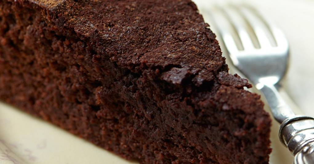 House And Garden Chocolate And Beetroot Cake