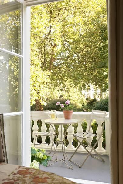 Leafy Balcony in London  | City Garden Ideas