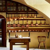Wall Hung Copper Pans