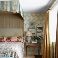 Traditional Furniture Vintage Wallpaper | Bedroom Designs Ideas