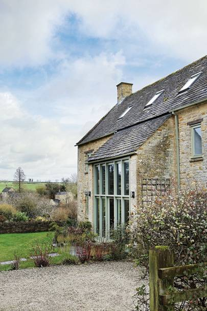 Barn Exterior - Stylish Cotswolds Barn