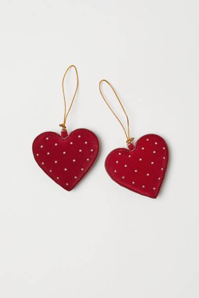 2-pack Christmas decorations, £2.99, H&M