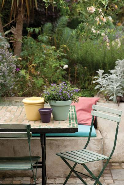 Upcycle garden furniture