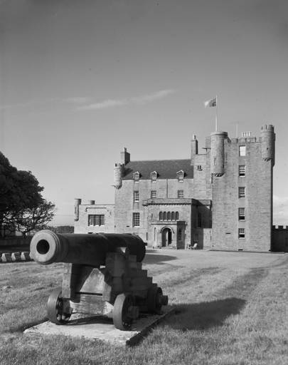 Inside The Castle Of Mey The Queen Mother S Scottish Castle House Garden