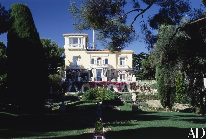 Inside Elton John's French house, where Harry and Meghan spent their summer