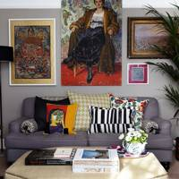 Eclectic Flat living room with Gallery Wall