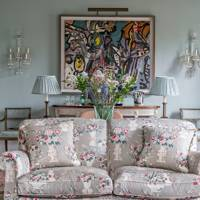 A bright and traditional drawing room