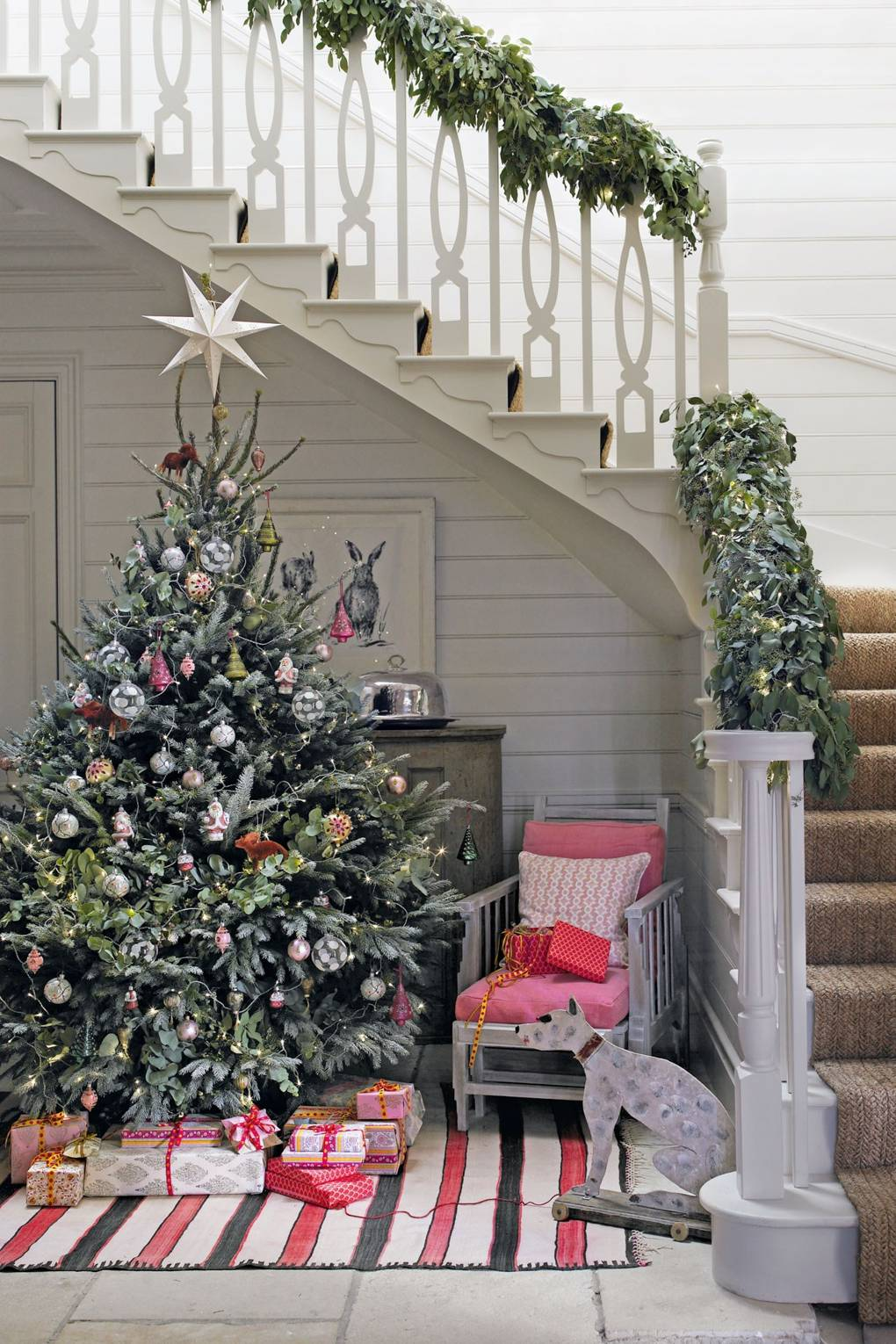 Sparse Christmas Tree Types.Christmas Decorating With Plants Foliage Holly Ivy