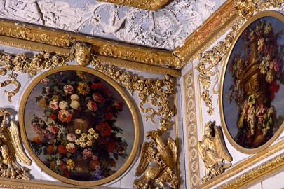 Detail of the decoration in the dogs' antechamber