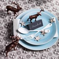 Reindeer decoration table setting