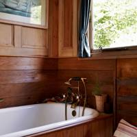 Small Wood Panelled Bathroom Suite