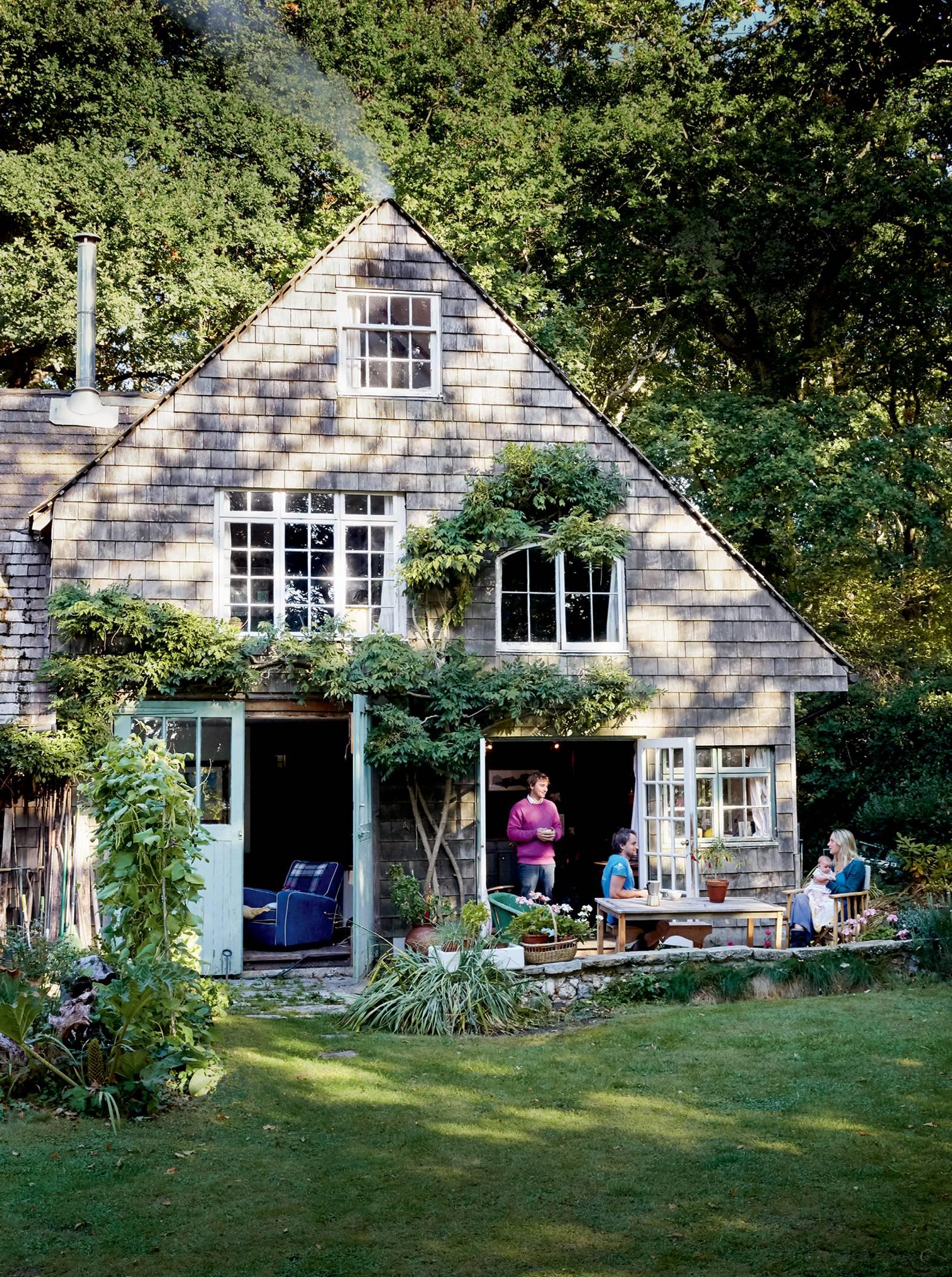 The idyllic coastal house of an expert furniture maker