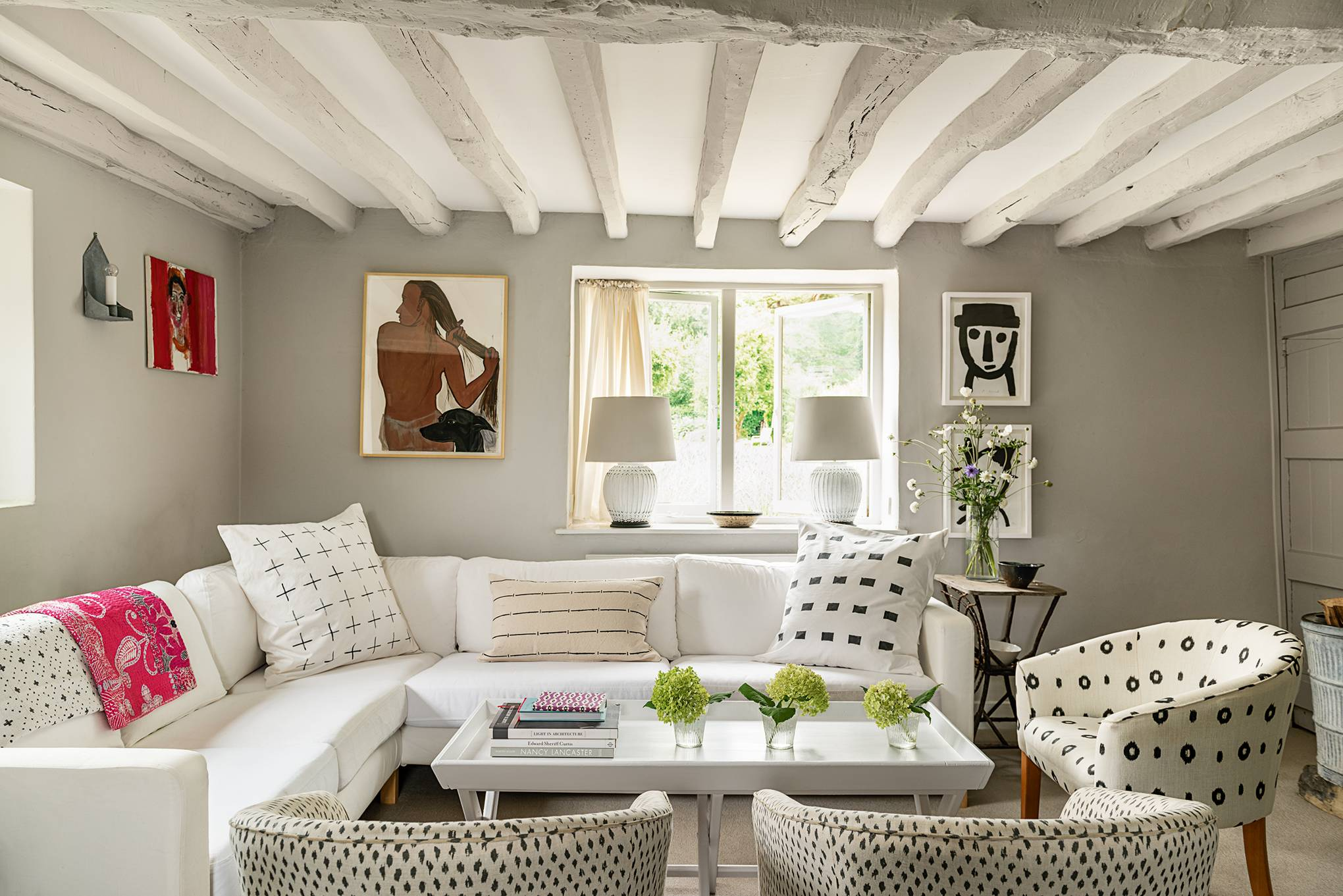 Small Living Rooms | Simple and Elegant Design Ideas