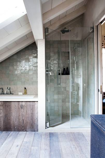 Attic Bathroom With Bath & Shower - Space Space Design Ideas