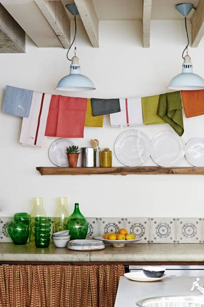Simple tile design with colourful accessories