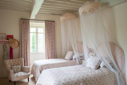 Twin Girls Bedroom in Farmhouse