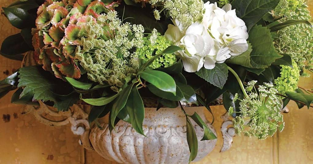 Flower arranging with chicken wire   House & Garden